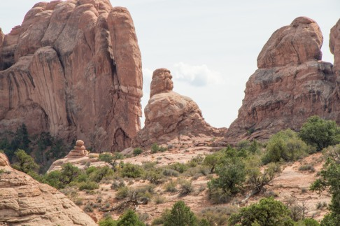 Does the center rock formation remind you of a squating indian wrapped in a blanket?
